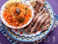 Рецепта Вкусна печена пилешка пържола от бут на скара маринована в соев сос